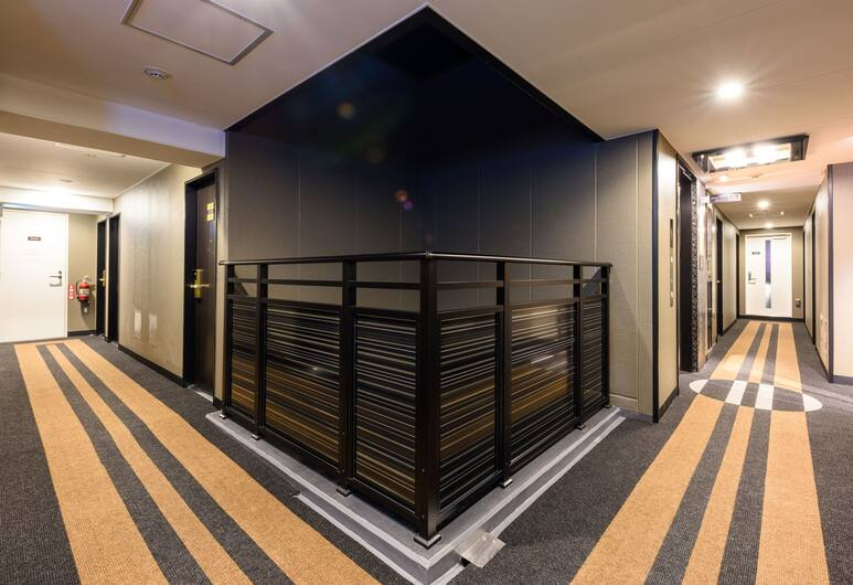 APA Hotel Hatchobori Shintomicho, Tokyo, Hallway