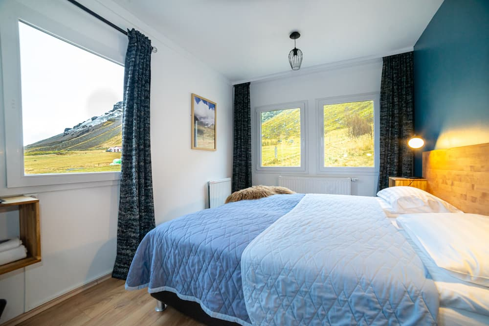 Basic Double Room, Private Bathroom - Mountain View