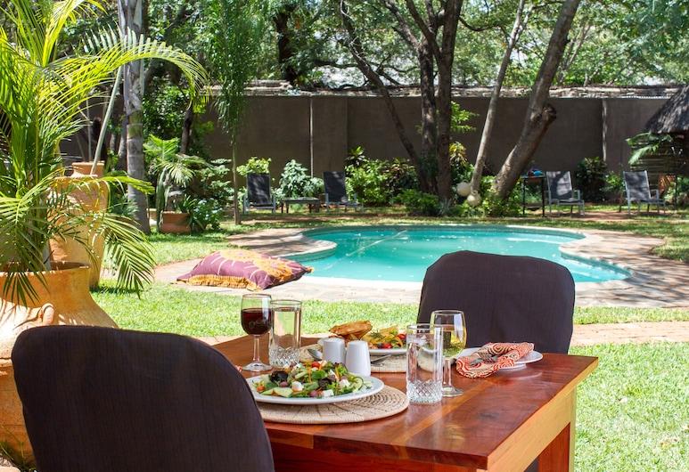 Nguni Lodge, Victoria Falls, Outdoor Dining