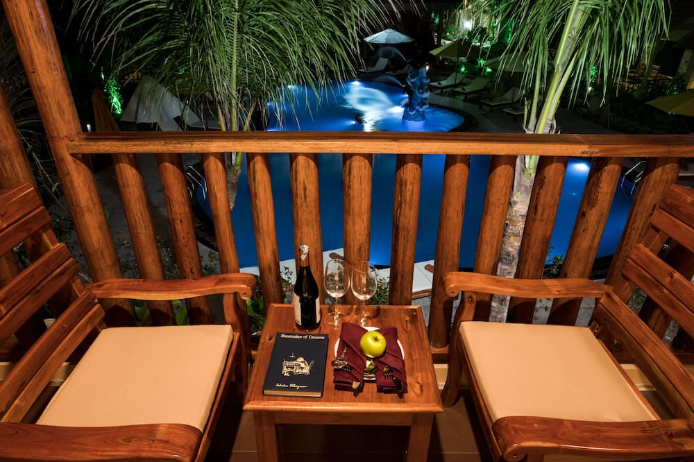 Superior Room, Multiple Beds, Pool View - Balcony