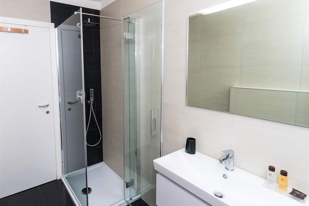 Apartment, 2 Bedrooms (N1) - Bathroom