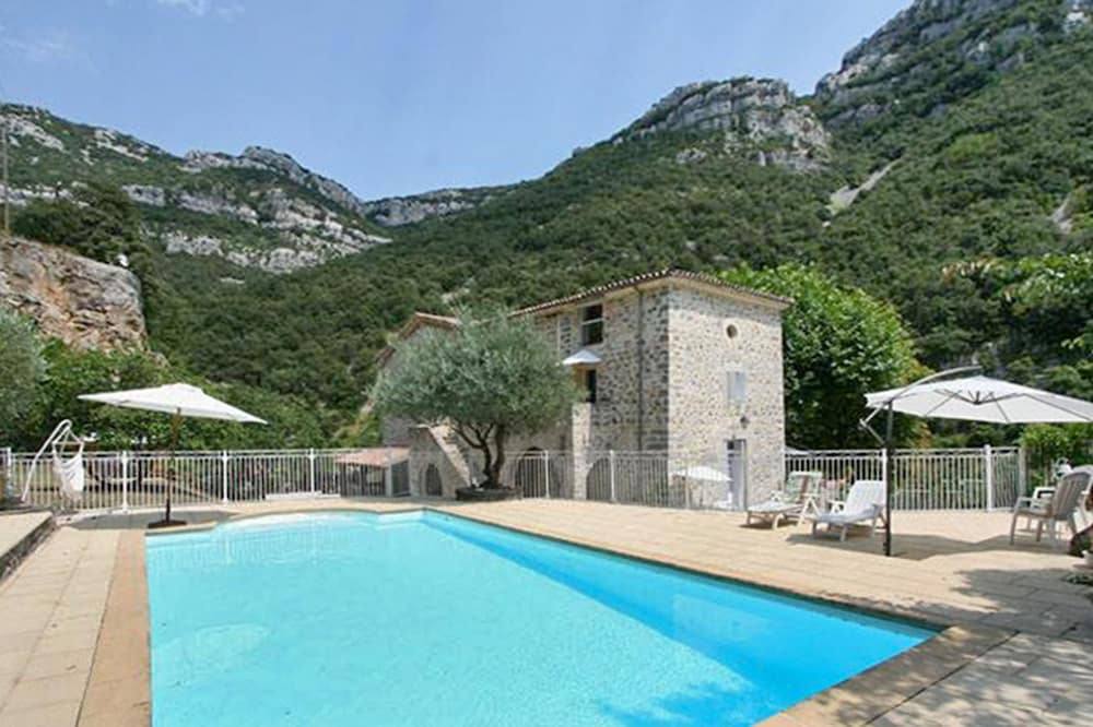 Lovely Spacious House In Picturesque Sumène, Languedoc Roussillon, With Pool  Access And Garden,