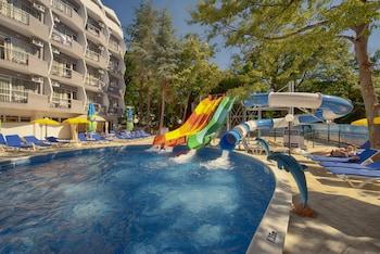 Picture of Prestige Deluxe Hotel Aquapark Club - All Inclusive  in Golden Sands