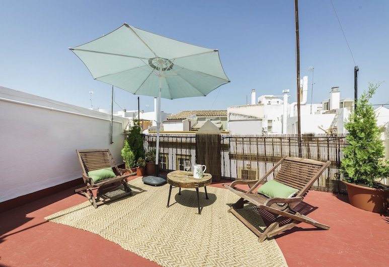 Home Club Maestranza Apartments, Seville