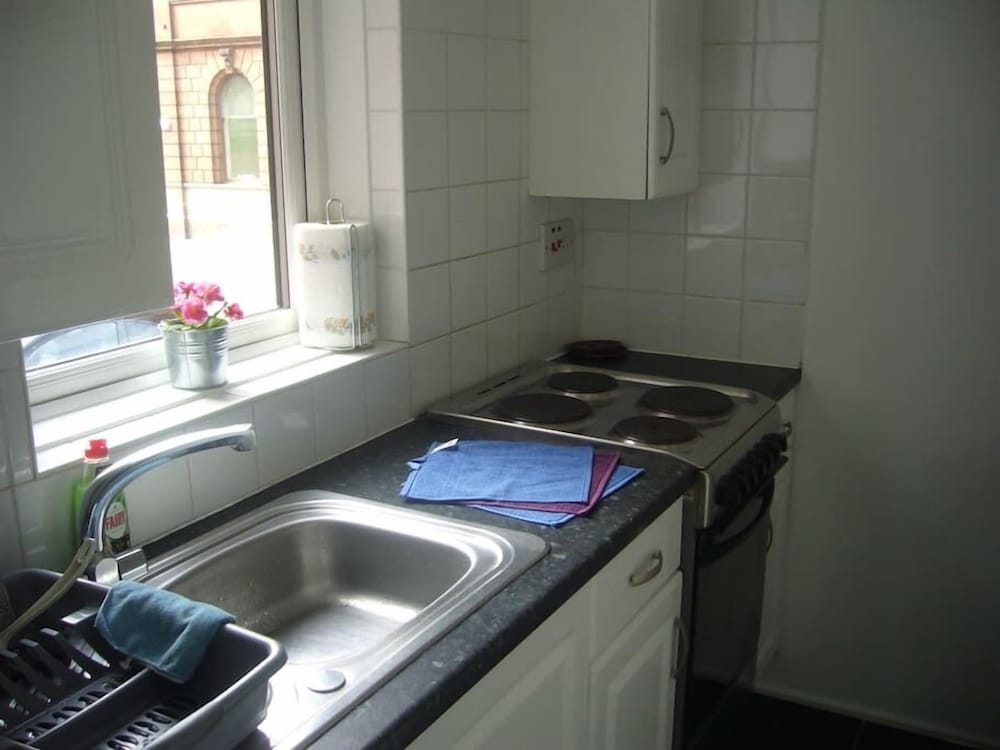 Book Garnet Place - 1 Bedroom Home in Glasgow | Hotels.com