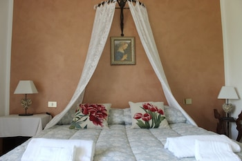Picture of Guest House Il Giardino in Colle di Val d'Elsa