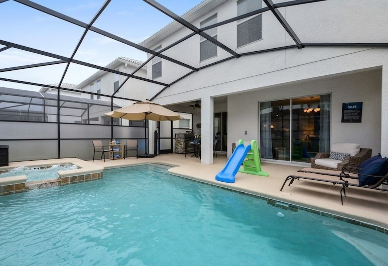 Luxury 6 bedroom home 10 minutes from Disney parks, Kissimmee, Apartmán, více ložnic, Terasa