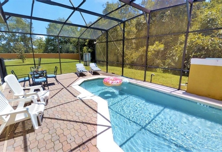 ACO FAMILY – 4 bd TOWNHOME WITH POOL (1717), Kissimmee