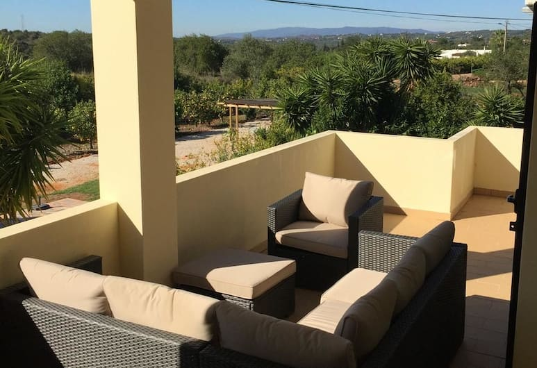 Villa With 5 Bedrooms in Algoz, With Wonderful Mountain View, Private Pool, Enclosed Garden - 16 km From the Beach, Silves , Balkoni