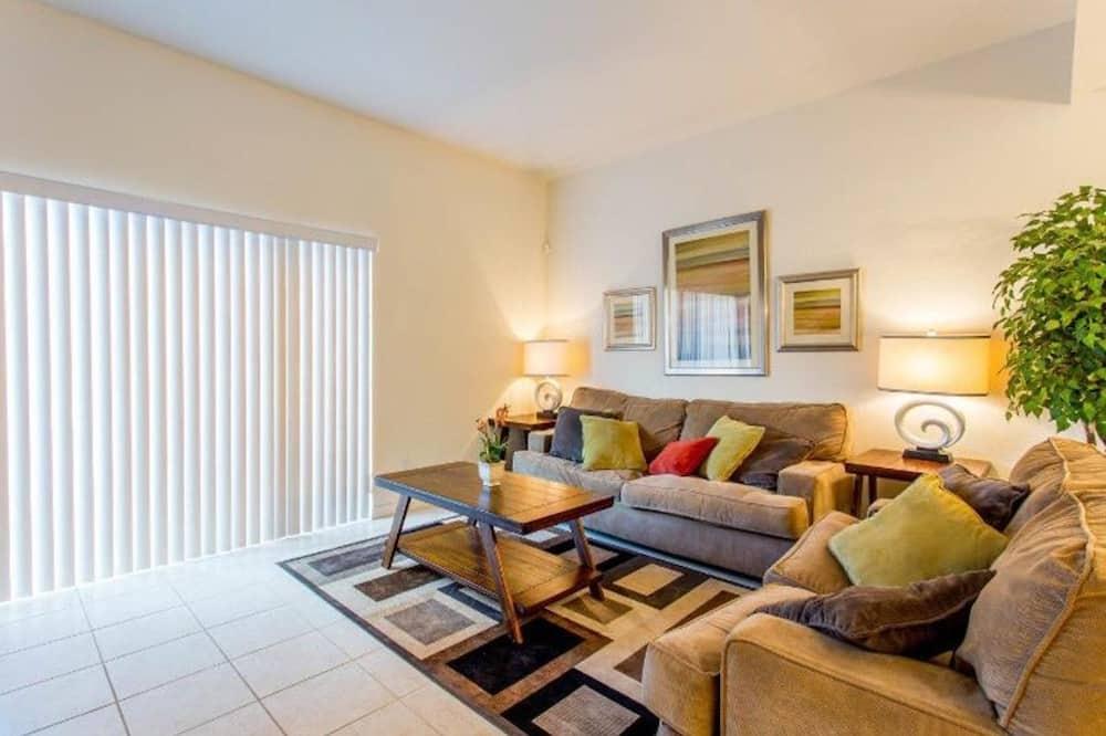 Apartmán, více ložnic - Obývací pokoj