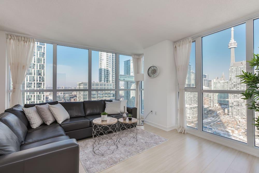 Condominio superior, 2 habitaciones, balcón, vista al lago - Sala de estar