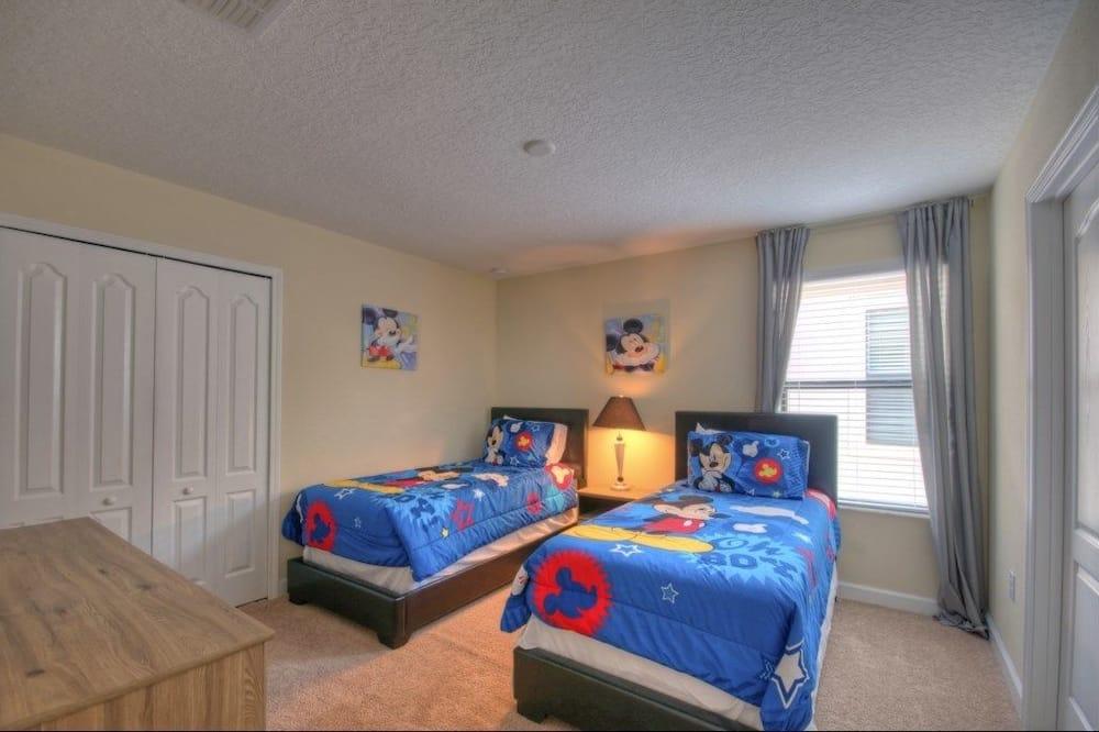 Apartemen, beberapa kamar - Kamar Bertema Anak-anak