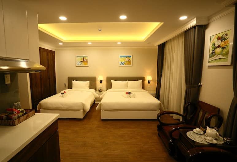 Diamond Queen Hotel, Ho Chi Minh City, Deluxe Twin Room, Balcony, Guest Room