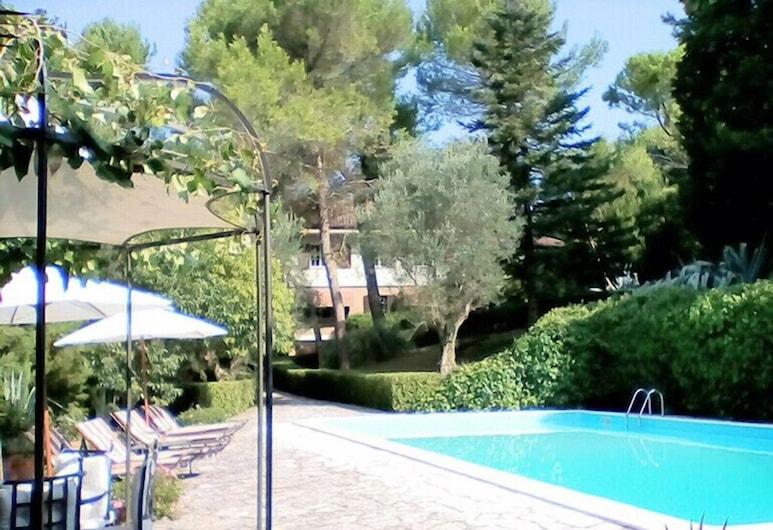 Villa Dall'Acqua, פזארו, בריכה חיצונית