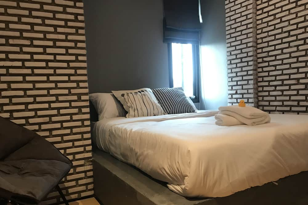 Deluxe Double Room with Private Bathroom - Guest Room