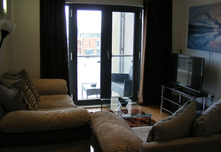 Baystays, Swansea, Superior Apartment, Private Bathroom (2 bed), Lounge