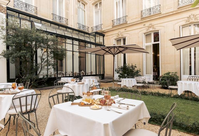 Hotel Alfred Sommier, Paris, Garden