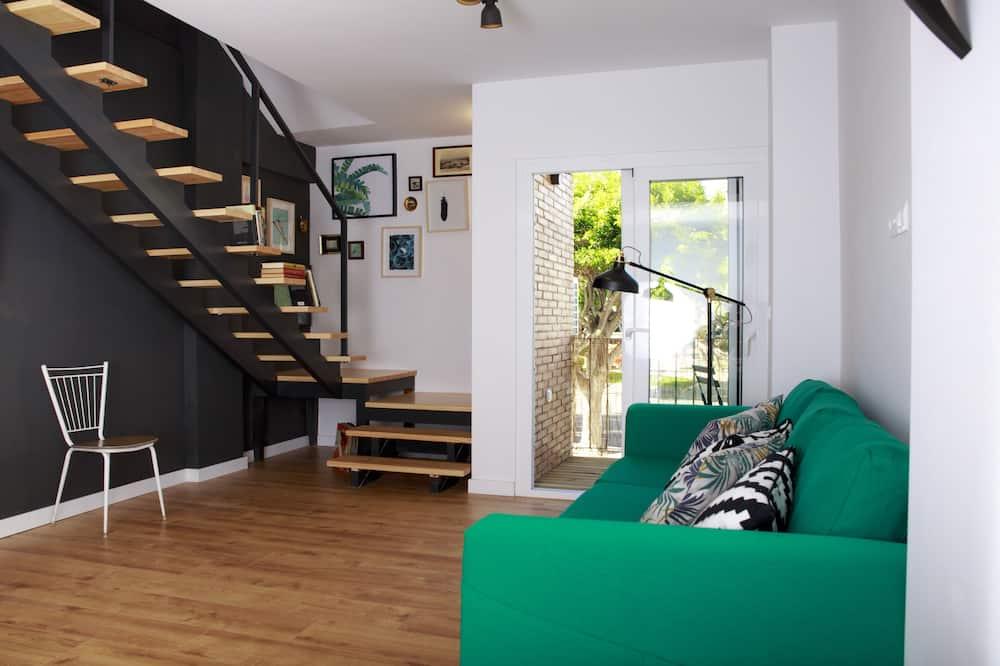 Design Duplex, 2 Bedrooms, Balcony - Living Room