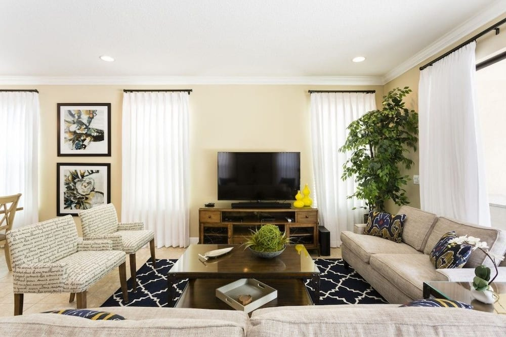 Apartment, Multiple Bedrooms - Living Room