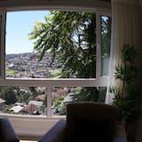 Apto de Luxo no Centro de Gramado, 1 Suite, 2 Banheiros, Mobiliado e Equipado 95m (103C) - Living Area