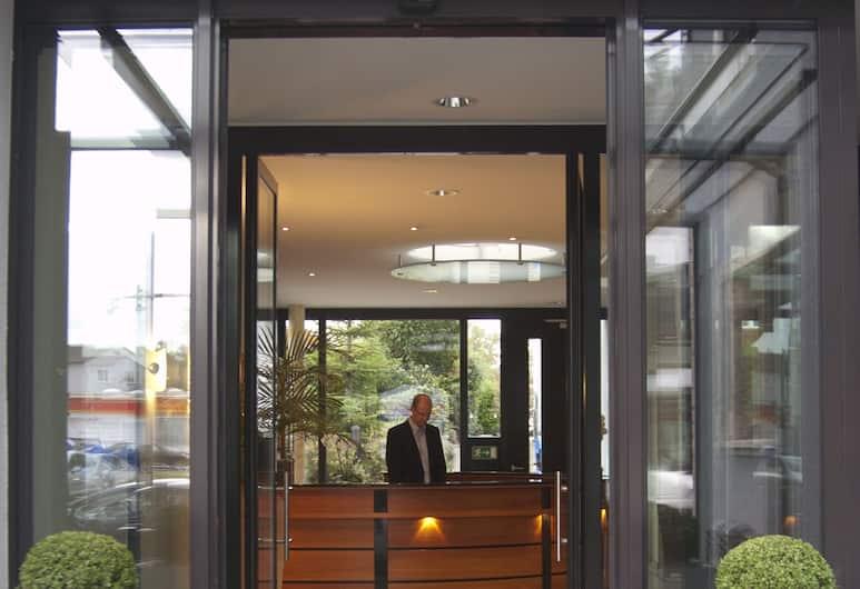 德國飯店, 羅伊特林根, 飯店入口
