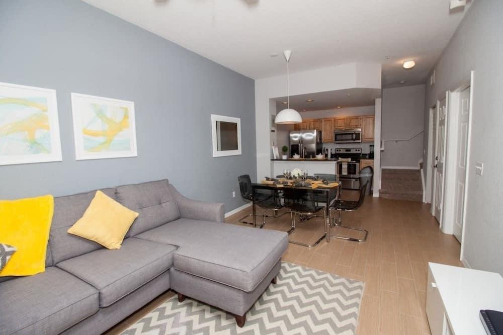 Apartment, Multiple Bedrooms - Ruang Tamu