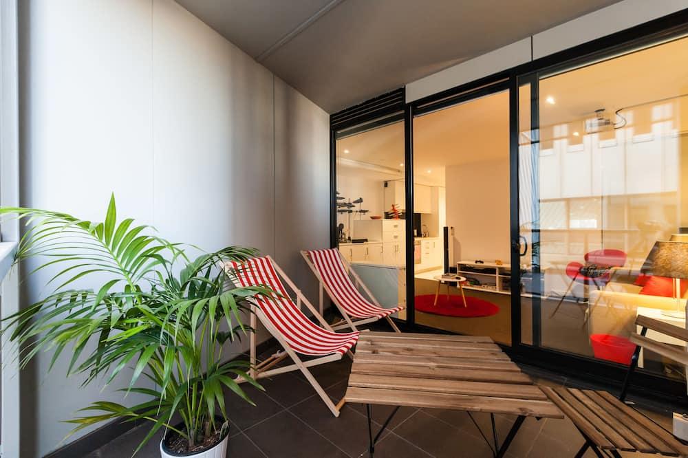 CLARK, 1BDR Melbourne Apartment