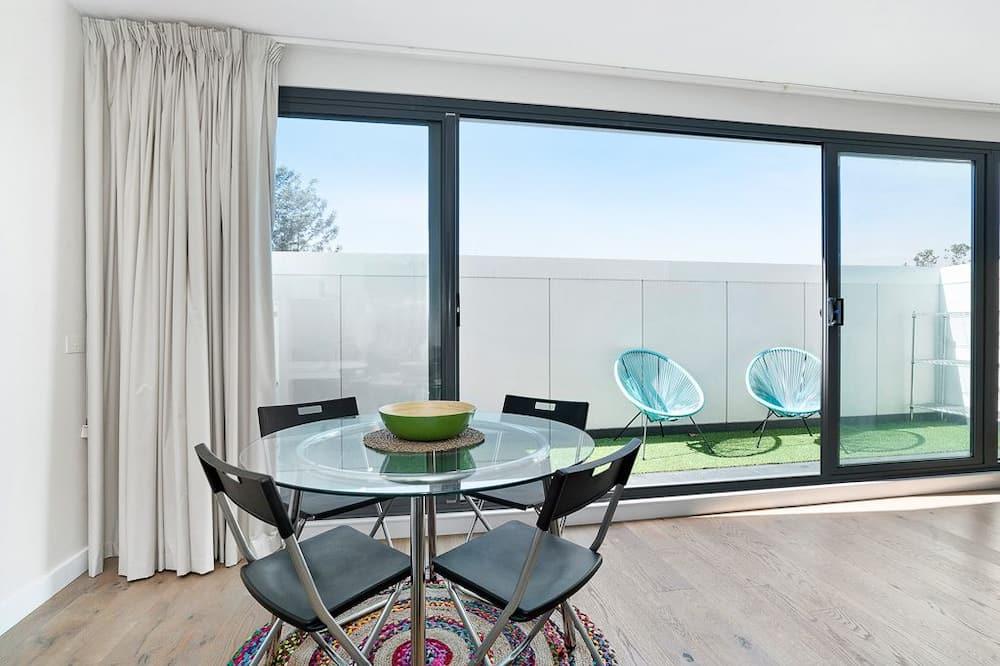 Appartamento Premium, 2 camere da letto, balcone - Pasti in camera