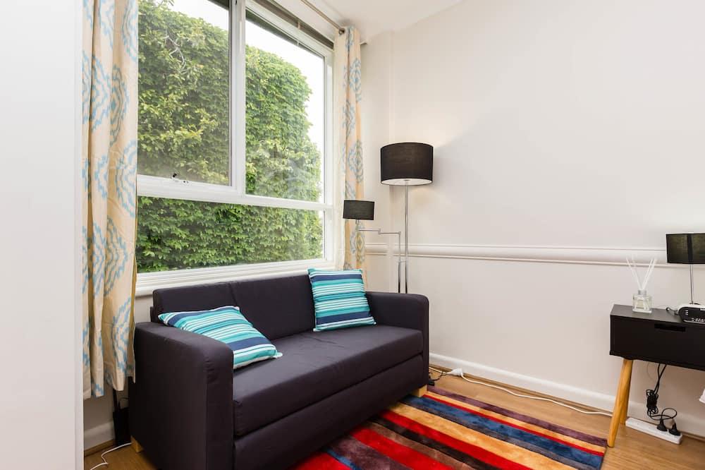Basic-Studio, eigenes Bad - Wohnzimmer
