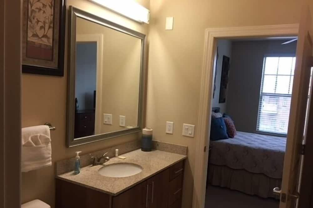 Standard-Apartment, 2Schlafzimmer - Badezimmer