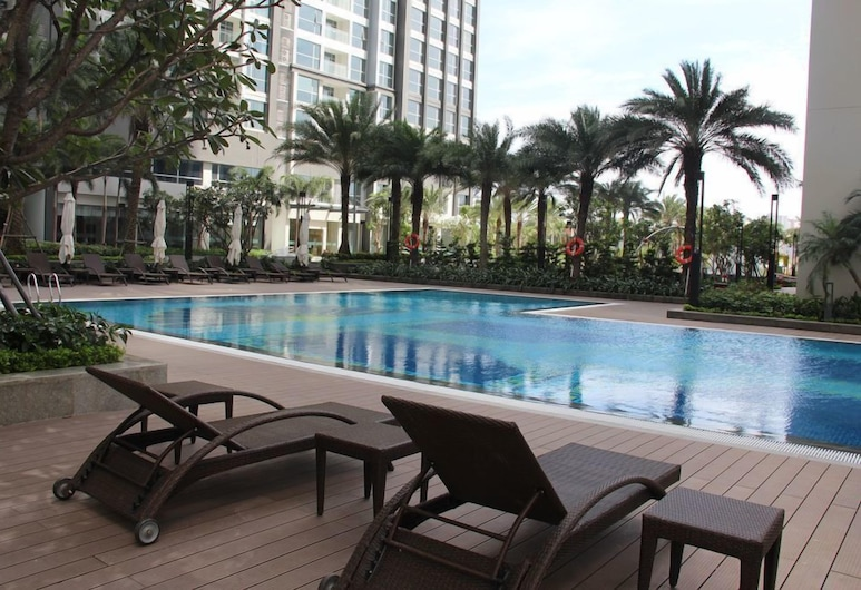 High-floor River-view Apartment , Ho Chi Minh City, Outdoor Pool