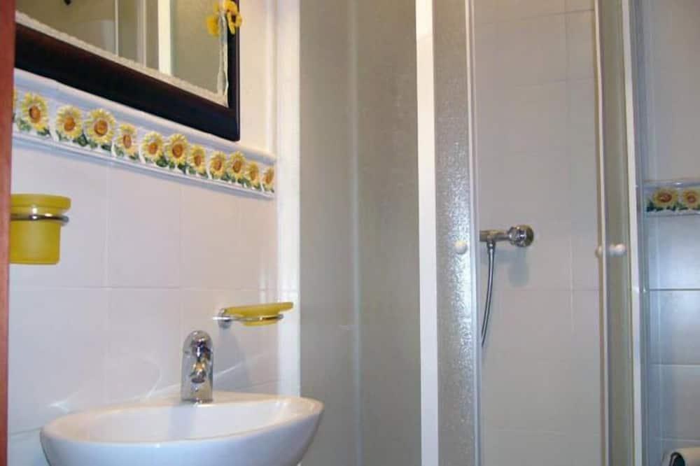 Δίκλινο Δωμάτιο (Double) (Margherita) - Νιπτήρας μπάνιου