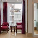 Senior Double Room, Balcony, City View - Ruang Tamu