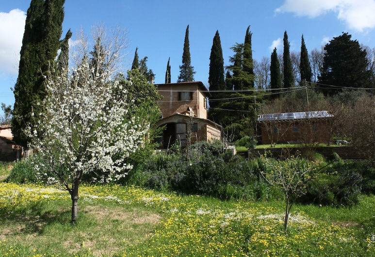 Bio B&B La fanciullaccia, Capannoli, Property Grounds