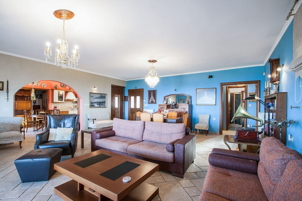 Villa Elite, 2 Quartos, Vista Mar, Jardim - Área de Estar
