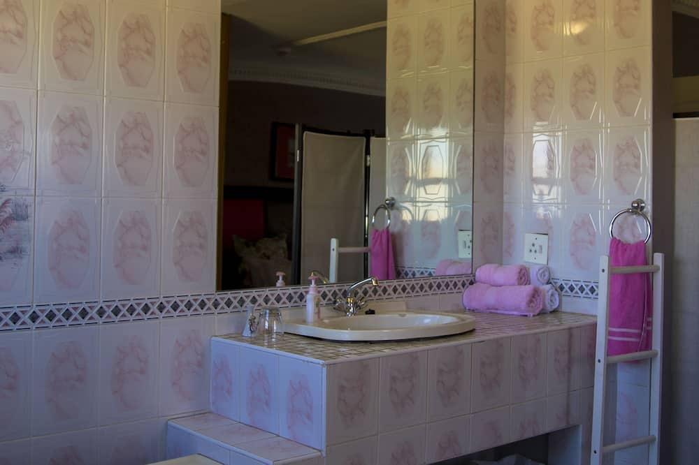 ห้องแฟมิลี่ (Pink) - ห้องน้ำ