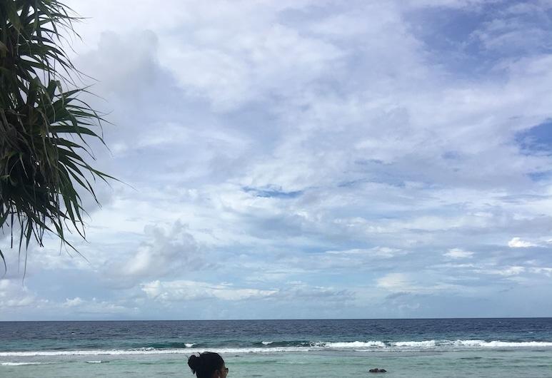 Equator HomeStay, Hulhudhoo, Beach