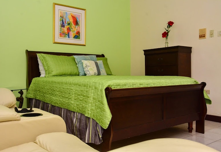 Sunkissed Suites at Sandcastles, Ocho Rios