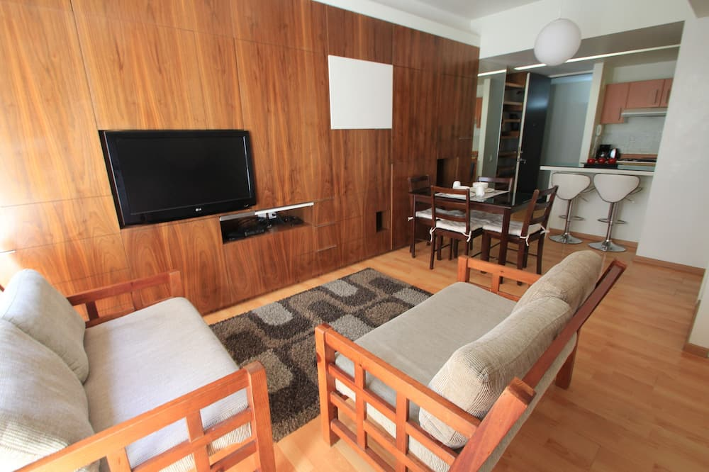 شقة مريحة - سرير ملكي - منظر للمدينة - الصورة الأساسية