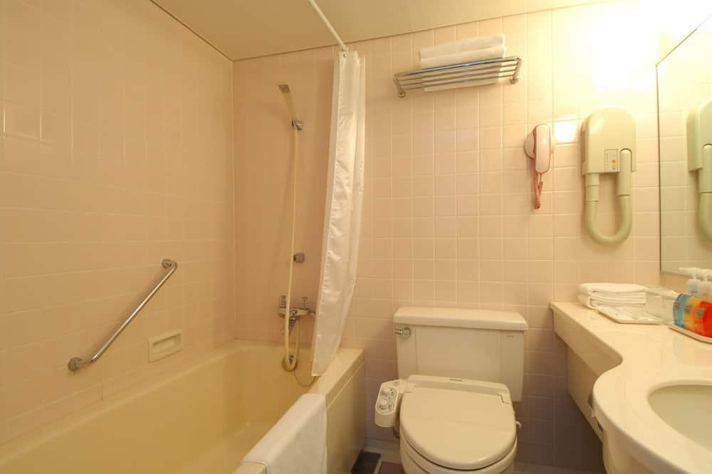 Pokoj se dvěma jednolůžky, kuřácký (Single Use) - Koupelna