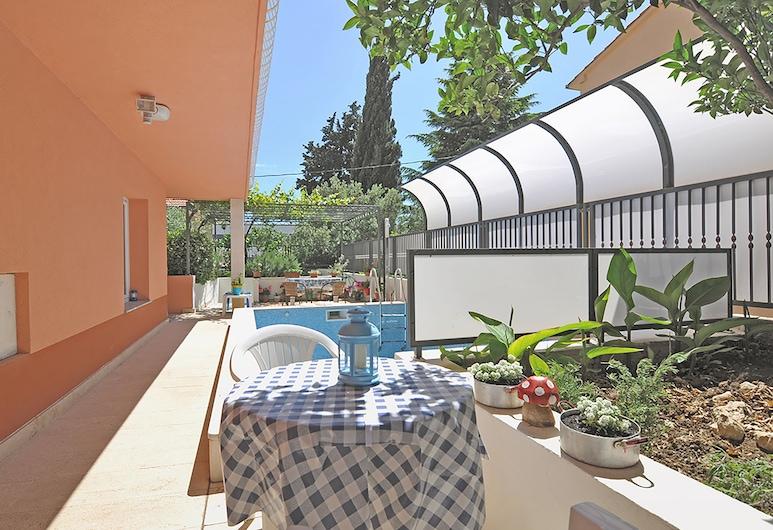 Marjan park, Split, Familienapartment, Poolblick, Terrasse/Patio