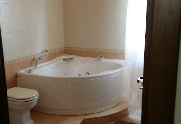 洛卡索宮飯店, 卡斯特羅維拉里, 高級雙人房, 按摩浴缸, 按摩浴缸