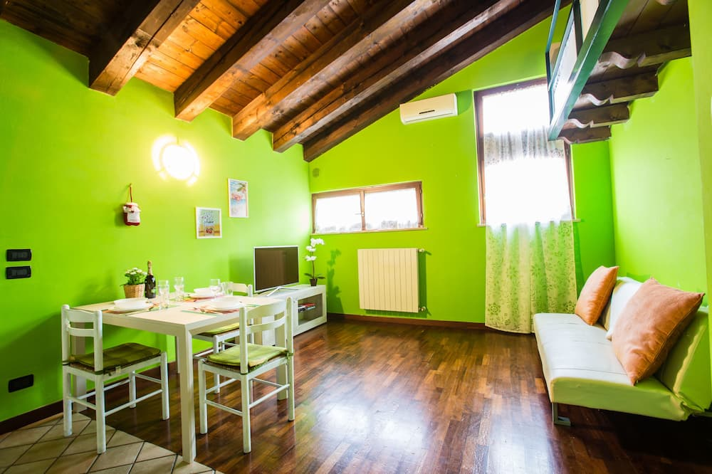 Design Duplex, 1 Bedroom - Living Area