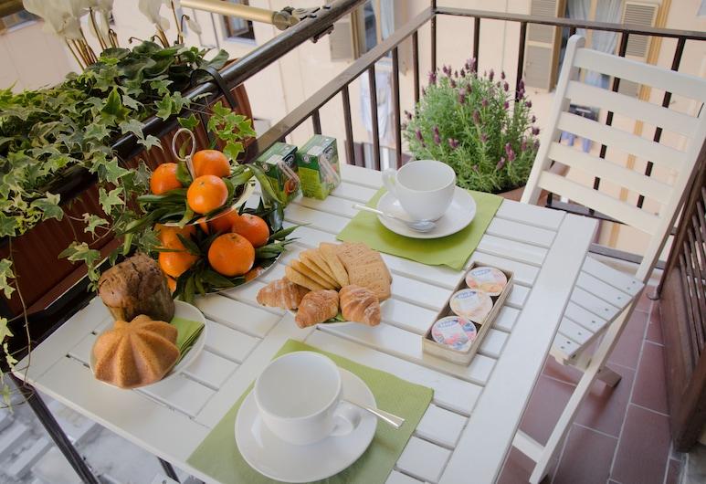 Castellani a San Pietro, Roma, Camera Classic con letto matrimoniale o 2 letti singoli, balcone, Balcone