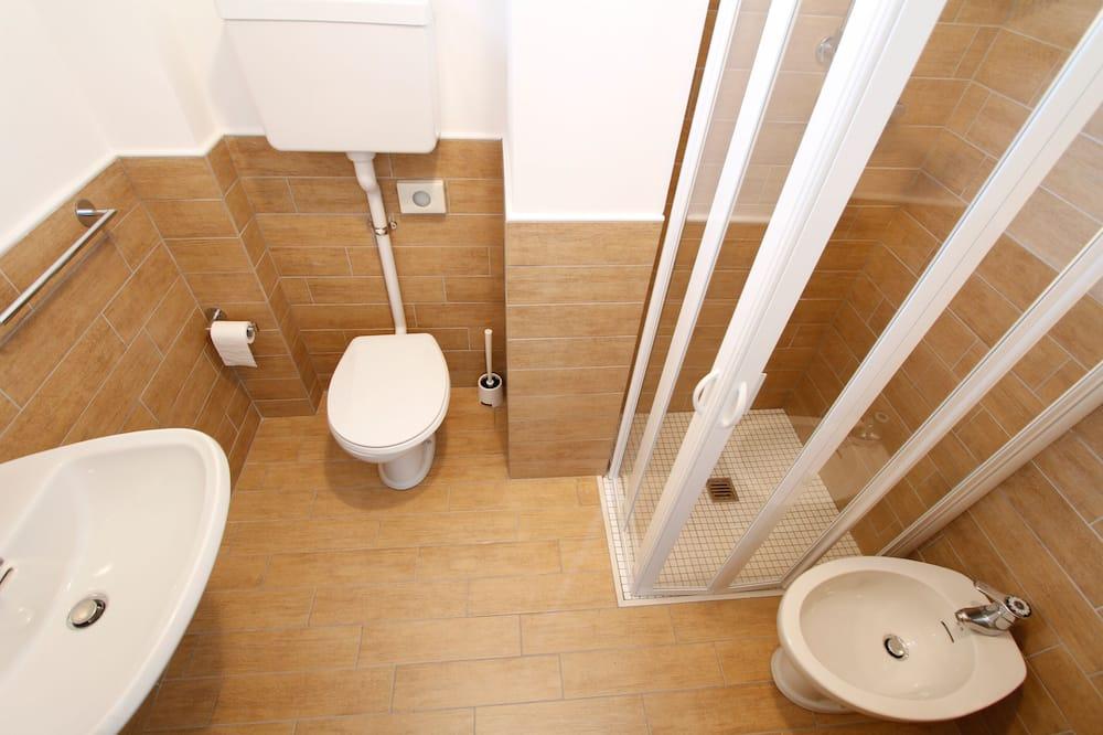 Улучшенный двухместный номер с 1 или 2 кроватями - Ванная комната