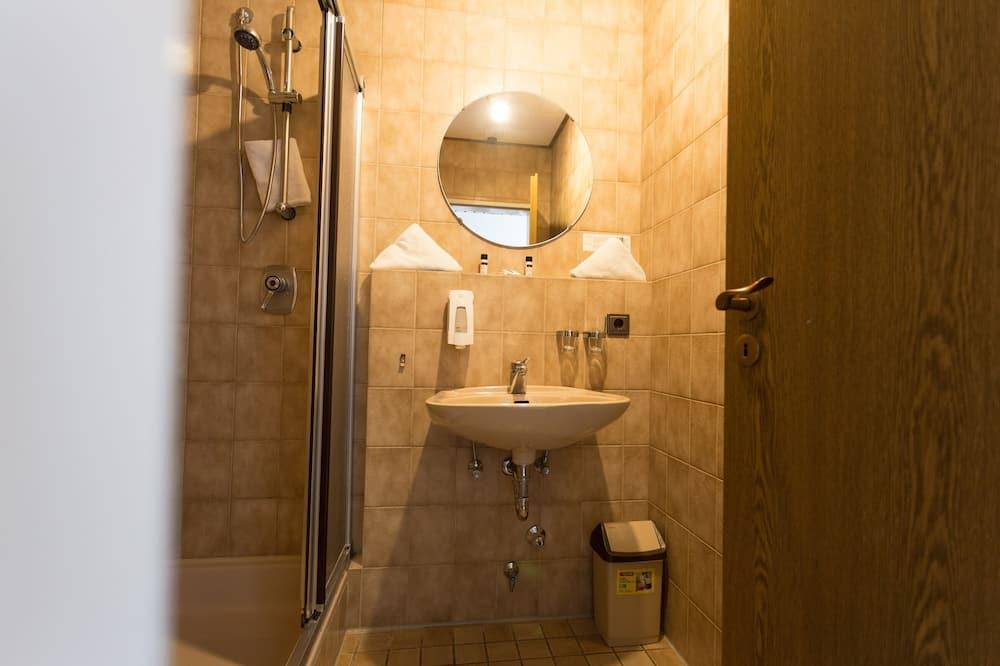 Comfort Double Room, Private Bathroom, Garden View - Bathroom