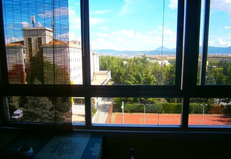 Pension Mari Asun, Pamplona, Dreibettzimmer, eigenes Bad (with extra bed), Zimmer