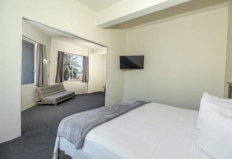 Hotel Plaza del Arco, Monterrey, Junior Room, 1 King Bed, Private Bathroom, Guest Room