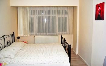 İstanbul bölgesindeki Calm and Comfortable City Apartment in the Heart of Istanbul With 3 Bedrooms resmi