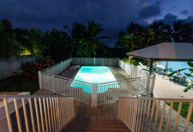 Apartment With one Bedroom in Sainte Anne, With Private Pool, Furnished Garden and Wifi - 3 km From the Beach, Sainte-Anne, Piscine